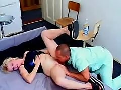 Doctor licks pregnant milf patient